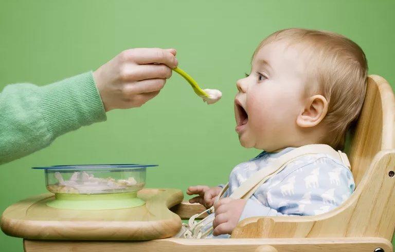Διατροφή μωρού τους 12 πρώτους μήνες ζωής